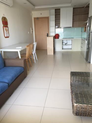 Phòng khách căn hộ M-One Nam Sài Gòn Căn hộ M-One Nam Sài Gòn ban công hướng Đông Nam, nội thất đầy đủ.