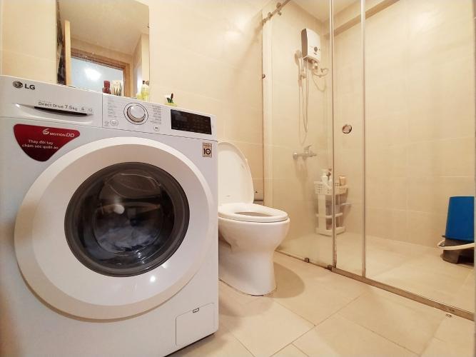 Toilet Kingston Residence, Phú Nhuận Căn hộ Officetel Kingston Residence ban công view Đông Nam.