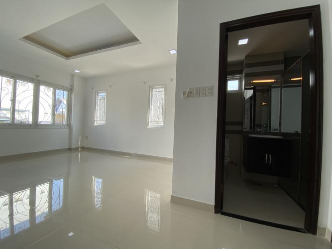 PHÒNG NGỦ 2 biệt thự KDC Nam Long Q7 Biệt thự KDC Nam Long nội thất cơ bản, tông trắng, thiết kế hiện đại.