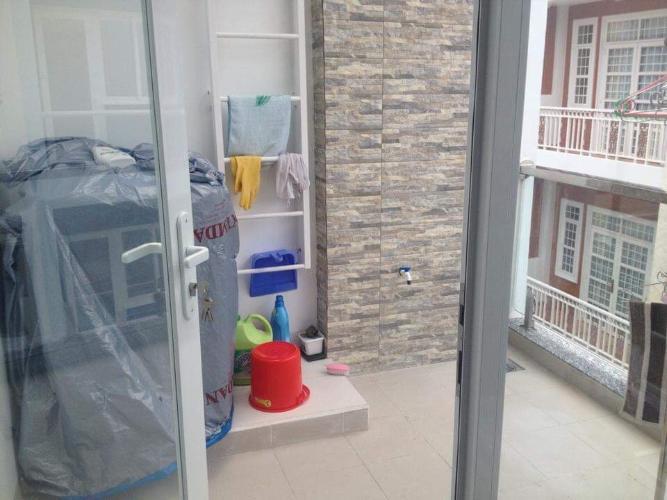 Nhà phố đường Đỗ Thừa Luông, Tân Phú Nhà phố hướng Đông hẻm xe hơi, nội thất đầy đủ có sổ hổng riêng.