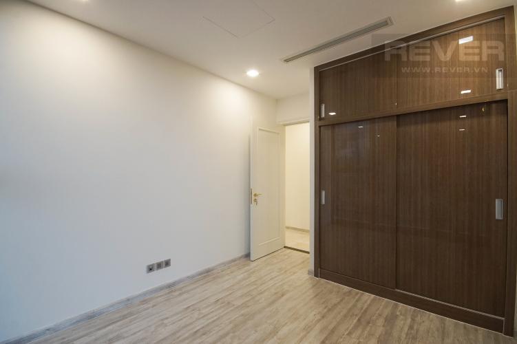 Phòng Ngủ 1 Bán hoặc cho thuê căn hộ Vinhomes Golden River 3PN, tầng thấp, tháp The Aqua 2, nội thất cơ bản