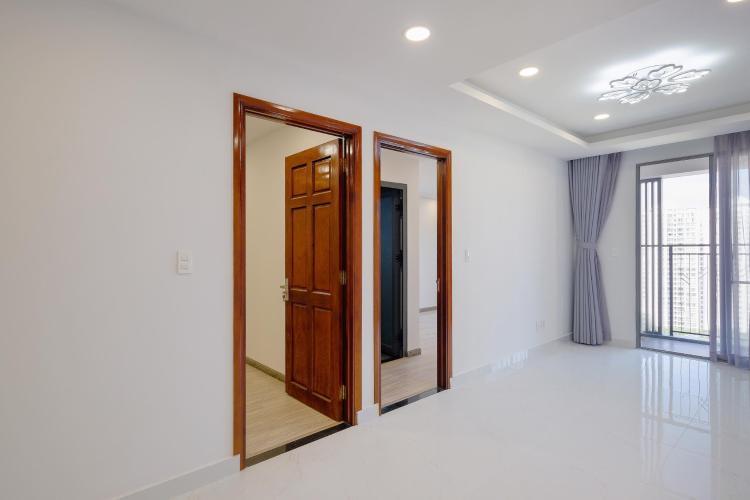 Căn hộ Saigon South Residence tầng trung, thiết kế hiện đại.