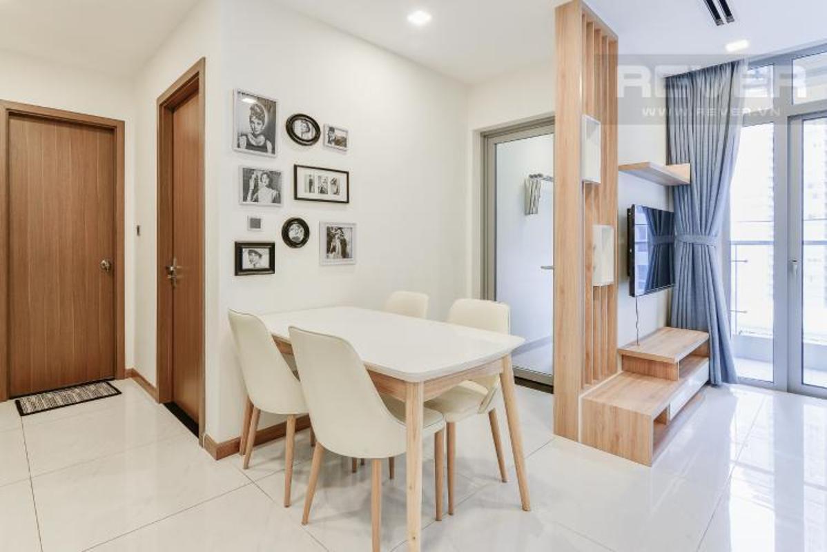 Phong an Bán căn hộ Vinhomes Central Park 2PN, diện tích 72m2, đầy đủ nội thất, view sông và công viên
