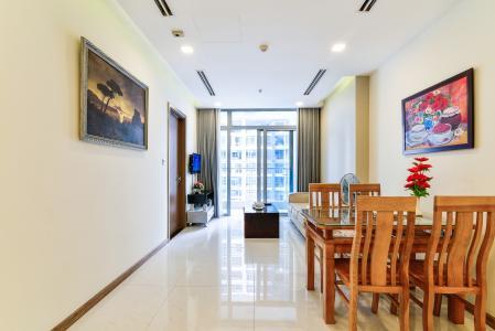 Căn hộ Vinhomes Central Park tầng thấp Park 1, 2 phòng ngủ, nội thất đầy đủ