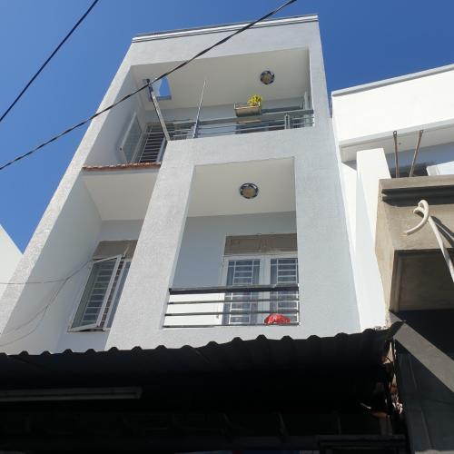 Bán nhà cách Cầu Tân Thuận 500m, nội thất cơ bản.