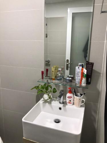 phòng  vệ sinh D-vela Bán căn hộ D-Vela diện tích 70m2, nội thất cơ bản, vị trí thuận lợi.