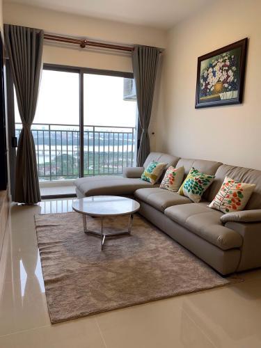 Phòng khách căn hộ The Sun Avenue Căn hộ The Sun Avenue tầng 19, view thành phố sầm uất.