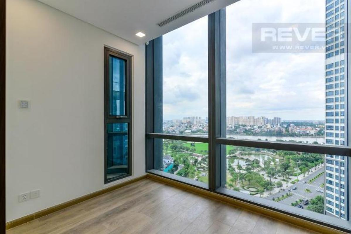 View Bán hoặc cho thuê căn hộ Vinhomes Central Park 2PN, tháp Landmark 81, nội thất cơ bản, view sông và công viên