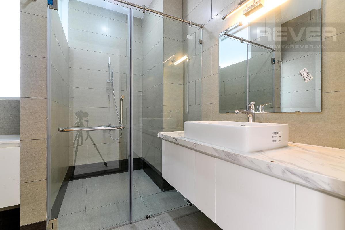 wc Cho thuê căn hộ Thủ Thiêm Lakeview 3PN, diện tích 120m2, nội thất cơ bản, view Landmark 81