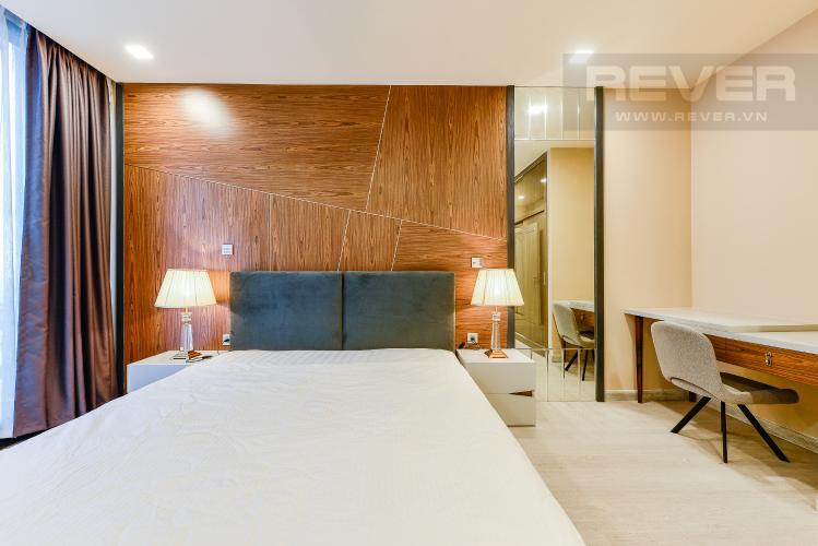 Phòng ngủ 1 Căn hộ Vinhomes Golden River 2 phòng ngủ tầng cao A1 đầy đủ nội thất