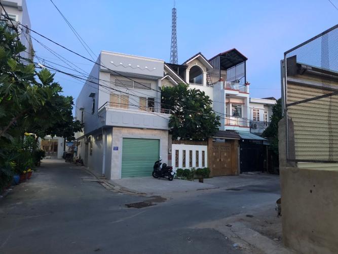 Nhà phố hẻm 2 xe hơi tránh nhau hướng Tây, sổ hồng riêng.