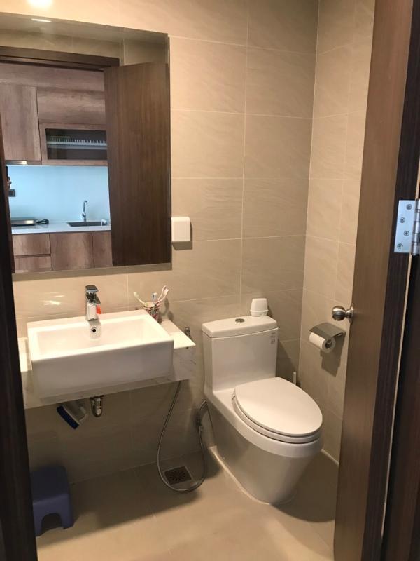 43899580f24a15144c5b Cho thuê căn hộ officetel Saigon Royal, tầng 4, tháp A, đầy đủ nội thất, hướng Đông Nam