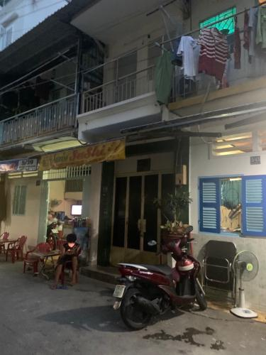 Bán nhà phố 2 tầng 3 phòng ngủ đường Nguyễn Trung Ngạn, phường Bến Nghé, quận 1 thiết kế hiện đại không kèm nội thất