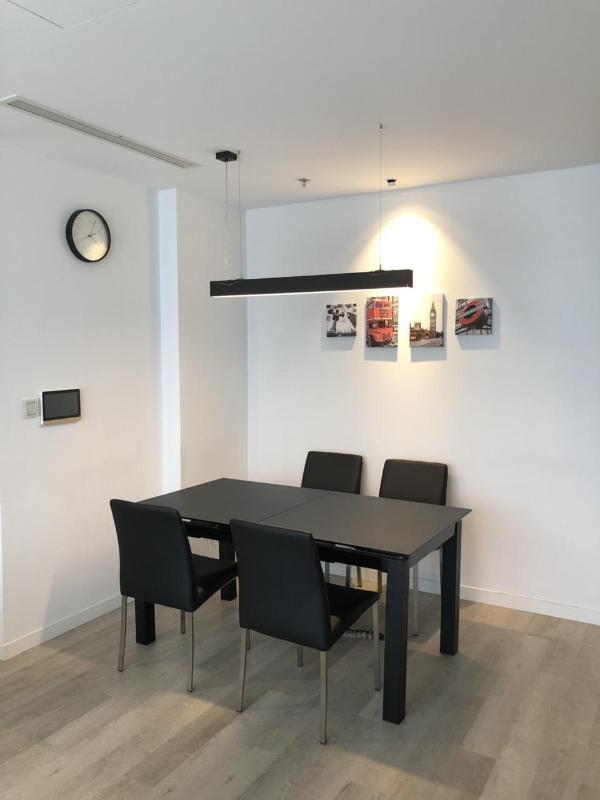 ec26cc513ad9dd8784c8 Bán căn hộ Vinhomes Central Park 2PN, diện tích 84m2, đầy đủ nội thất, view thành phố