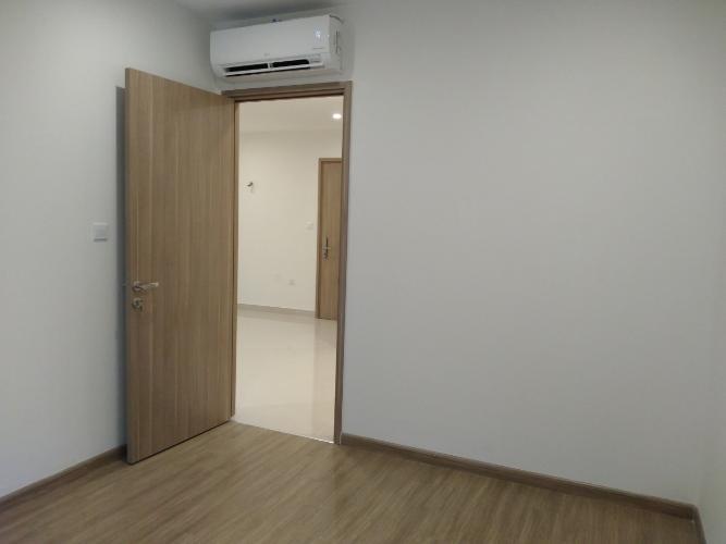 phòng ngủ 1  căn hộ Vinhomes Grand Park Căn hộ Vinhomes Grand Park tầng 24, nội thất cơ bản, view thành phố.