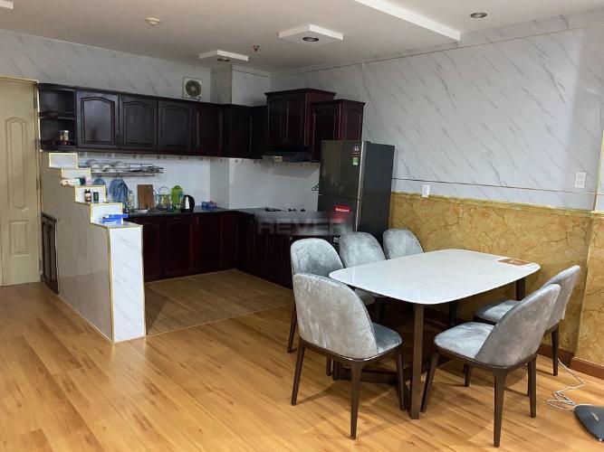 Phòng bếp chung cư Bình Minh, Quận 2 Căn hộ chung cư Bình Minh tầng trung, nội thất đầy đủ.