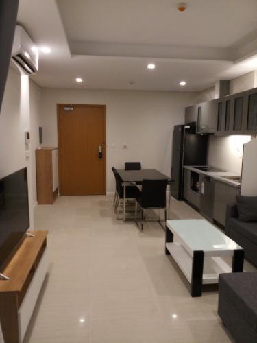 Phòng khách căn hộ Đảo Kim Cương Căn hộ view nội khu Diamond Island đầy đủ nội thất sang trọng.