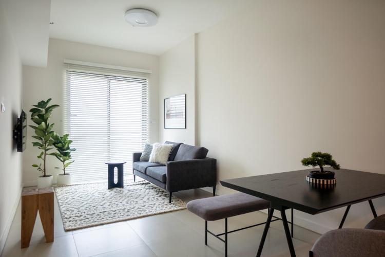 Phòng khách căn hộ GATEWAY THẢO ĐIỀN Cho thuê căn hộ Gateway Thảo Điền 1PN, tầng cao, diện tích 56m2, đầy đủ nội thất, view hồ bơi