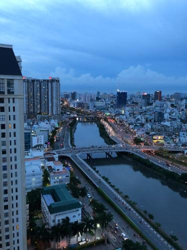 VIEW SÔNG  Căn hộ The Tresor thiết kế hiện đại, view sông thoáng mát