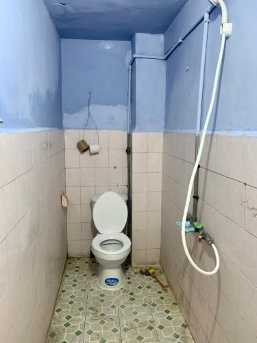 Phòng tắm căn hộ chung cư Tân Quy Căn hộ chung cư Tân Quy bàn giao nội thất cơ bản, hướng Đông.