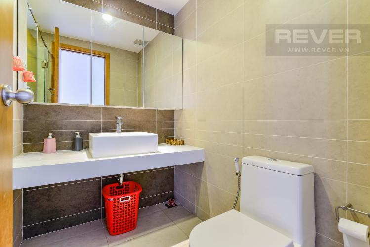 Phòng Tắm 1 Căn hộ Sunrise City 2 phòng ngủ tầng cao W1 hướng Nam