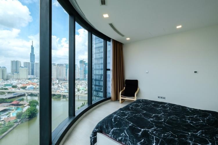 Phòng ngủ Vinhomes Golden River, Quận 1 Căn hộ tầng trung Vinhomes Golden River đầy đủ nội thất.