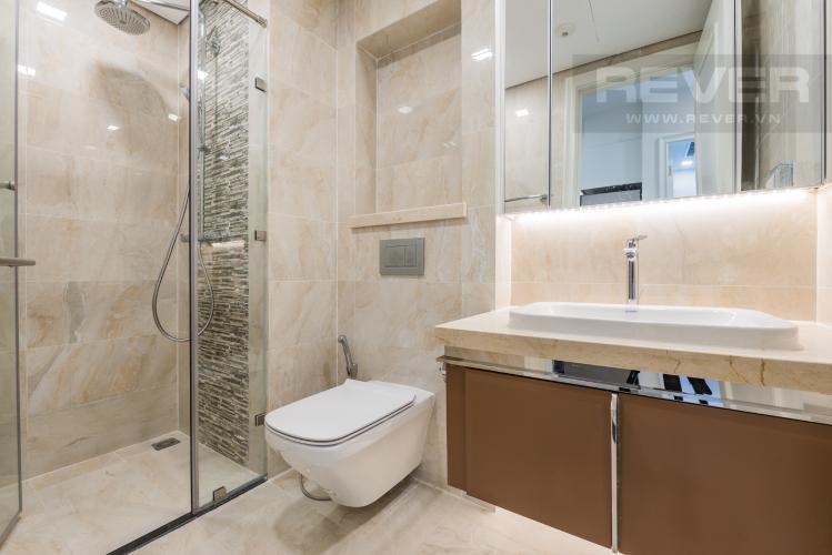 Phòng tắm Căn officetel Vinhomes Golden River 1PN đầy đủ nội thất, view sông Sài Gòn