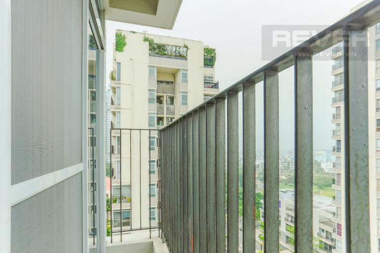 Ban Công Căn hộ Star Hill Phú Mỹ Hưng tầng trung, tháp B, 3 phòng ngủ, view hồ bơi.
