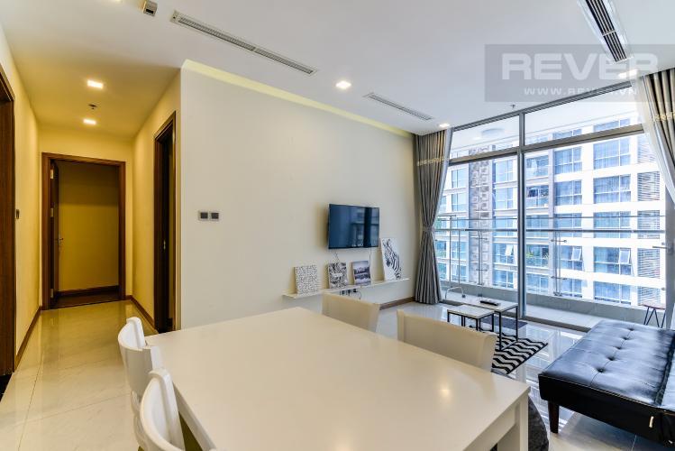Phòng Khách Căn hộ Vinhomes Central Park 2 phòng ngủ tầng trung P5 hướng Nam