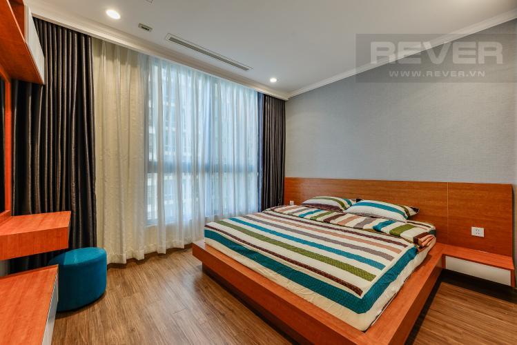 Phong ngủ 1 Căn hộ Vinhomes Central Park 3 phòng ngủ tầng trung L4 nội thất đầy đủ