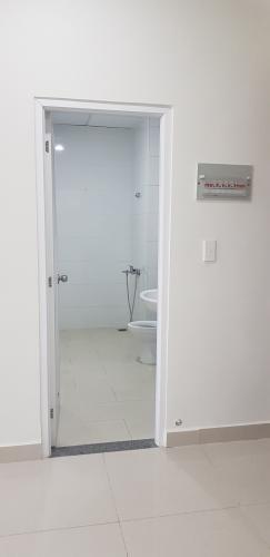 Phòng tắm Topaz Elite Quận 8 Căn hộ Topaz Elite tầng thấp, ban công hướng Đông Nam, view thành phố.