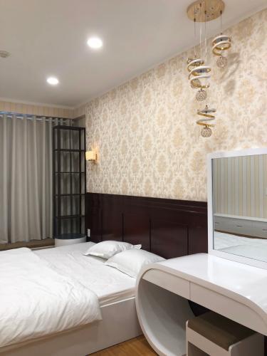 Phòng ngủ căn hộ Kingston Residence Căn hộ Kingston Residence đầy đủ nội thất tiện nghi, tầng cao.