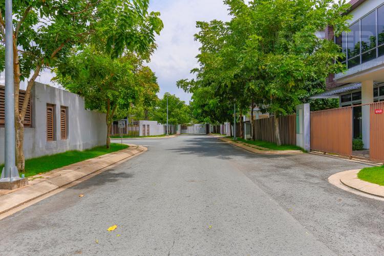Lối Đi 2 Biệt thự nghỉ dưỡng 5 phòng ngủ Riviera Cove Quận 9
