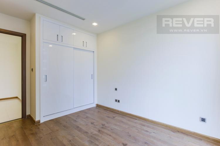Phòng Ngủ 1 Căn hộ Vinhomes Central Park tầng trung Park 2 mới bàn giao, view sông thoáng mát