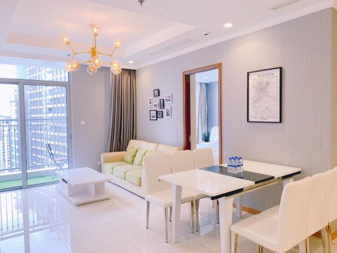 Cho thuê căn hộ 3 phòng ngủ Vinhomes Central Park, diện tích 100.2m2, nội thất cơ bản, ban công hướng Nam