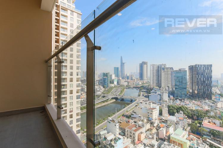 Balcony Căn hộ Masteri Millennium tầng cao, block B, 2PN nội thất đầy đủ