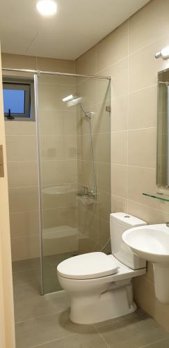Phòng tắm căn hộ Lux Graden Bán căn hộ tầng cao Lux Garden nội thất cơ bản, tiện ích đa dạng.
