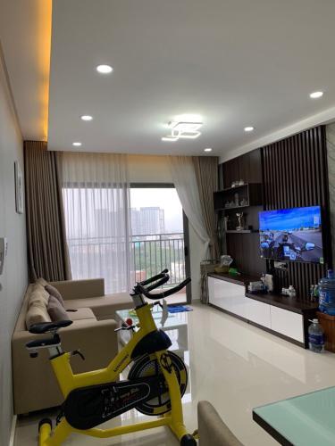Bán căn hộ view thành phố - The Sun Avenue tầng trung, 3 phòng ngủ, diện tích 96m2, nội thất cơ bản.