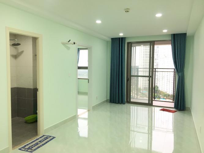 Phòng khách Căn hộ Saigon South Residence Căn hộ Saigon South Residence ban công hướng Nam, nội thất cơ bản.