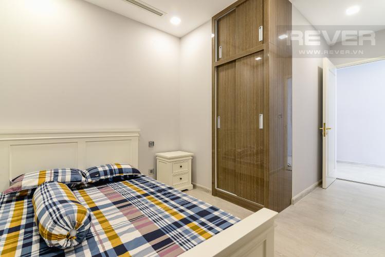 Phòng Ngủ 2 Cho thuê căn hộ Vinhomes Golden River tầng trung, 2PN 2WC, đầy đủ nội thất, view Landmark 81