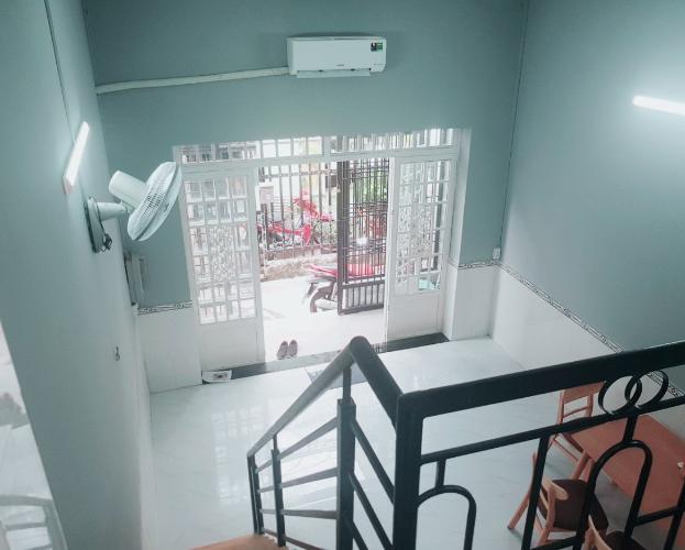Bên trong nhà phố Phạm Thế Hiển, quận 8 Nhà phố hướng Tây Nam, diện tích 58.3m2, sân trước rộng rãi.