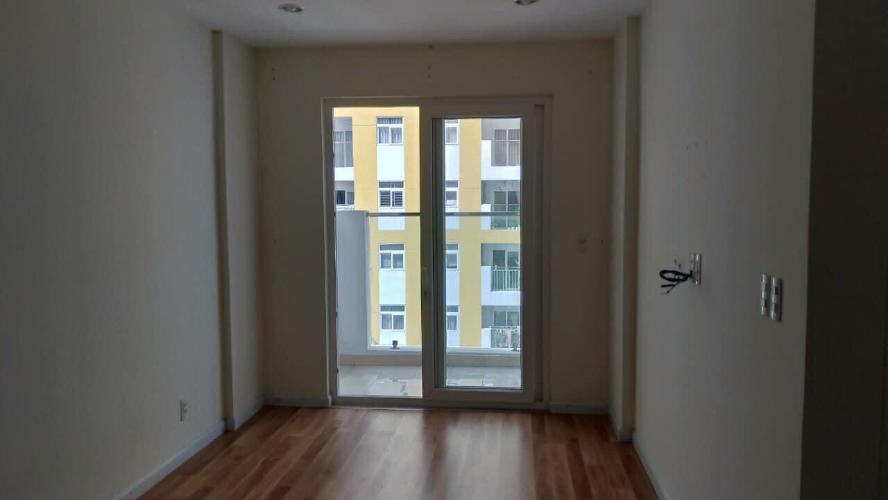 Phòng khách City Gate, Quận 8 Căn hộ tầng trung City Gate view nội khu, không nội thất.