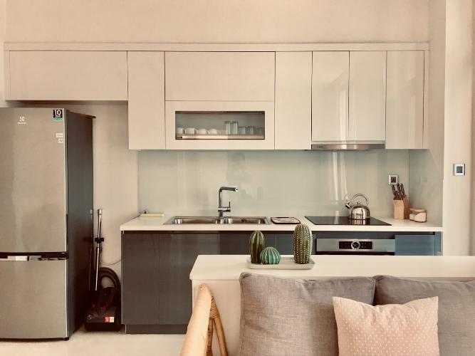 Cho thuê căn hộ Vinhomes Golden River 2PN, tầng trung, đầy đủ nội thất, view Landmark 81