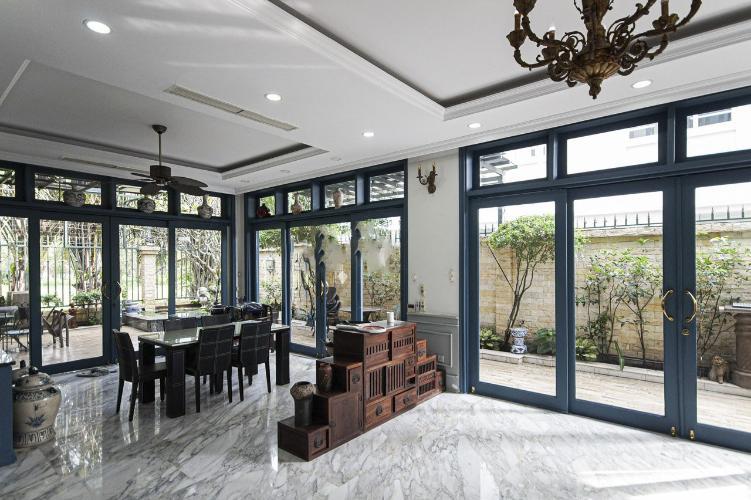 Phòng ăn biệt thự Phú Mỹ, Quận 7 Biệt thự thiết kế phong cách Tân cổ điển, đầy đủ nội thất sang trọng.