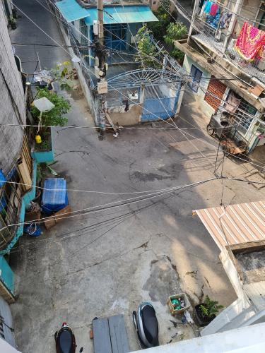 Hẻm trước nhà phố Bình Thạnh Nhà phố Bình Thạnh diện tích đất 52.9m2, hướng Đông Bắc.