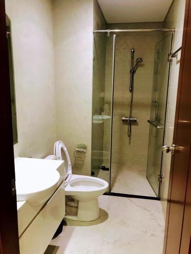 Toilet căn hộ Vinhomes Central Park Bán căn hộ Vinhomes Central Park 1PN, tháp Landmark 3, diện tích 53m2, view thành phố
