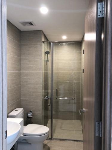 Nhà wc căn hộ Vinhomes Grand Park, Quận 9 Căn hộ Vinhomes Grand Park tầng cao 1 phòng ngủ, nội thất cơ bản.
