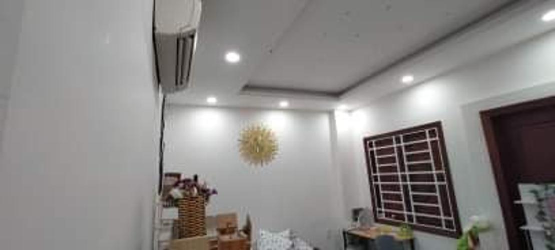 Phòng ngủ Nhà phố hướng Bắc, mặt tiền đường lớn, thích hợp kinh doanh.