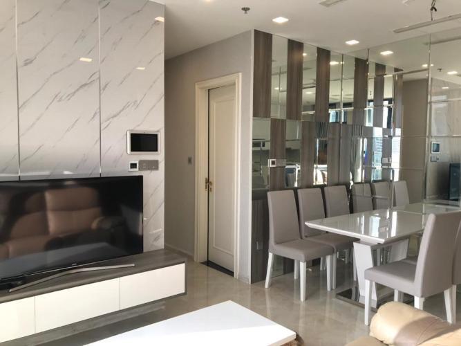 Bán căn hộ Vinhomes Golden River 2PN, tầng thấp, đầy đủ nội thất, view kênh Thị Nghè và Landmark 81