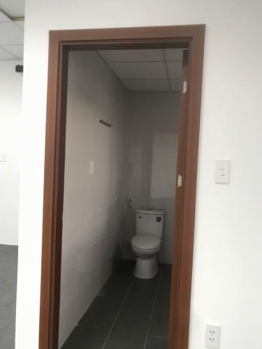 Toilet nhà phố Quận 9 Cho thuê nhà phố Melosa Garden, Quận 9, DT 188m2, không nội thất, kết cấu 3 tầng